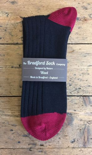 Men's Wool Socks - Black & Claret - Machine Washable.